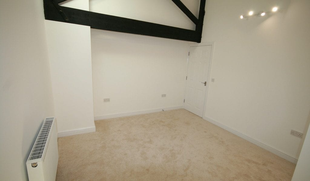 High Street, Newmarket £800 pcm